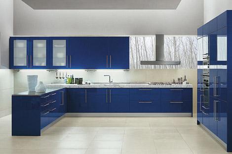 mavi beyaz lake renkli mutfak modeli