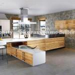 Duvara döşemeli modern geniş fransız mutfak