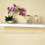 Sade ve beyaz duvar rafları ve modelleri