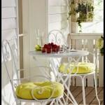 Balkon için masa sandalye