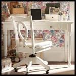 Beyaz klasik çalışma masası
