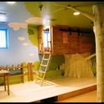 Ağaç ev temalı çocuk odası dekorasyonu