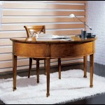 Klasik tarz ofis çalışma masaları