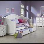 Genç odası sedirli yatak