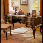 Klasik çalışma masası resimleri