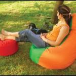 Yeşil turuncu puf koltuk