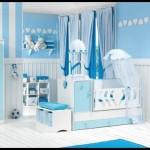 Beyaz mavi bebek odası dekorasyonu