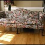 Çiçek desenli kanepe
