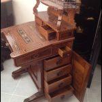 Antika çalışma masası