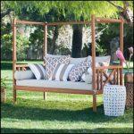 En dayanıklı bahçe mobilyası