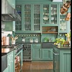 Açık yeşil mutfak dizaynı