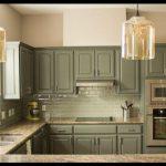 Yeşil mutfak mobilyaları