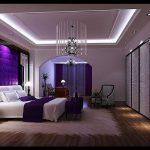 Modern mor yatak odası