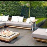Modern bahçe oturma grubu