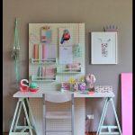 Kız çocuk çalışma masası