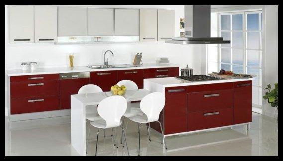 Bordo beyaz mutfak dolapları