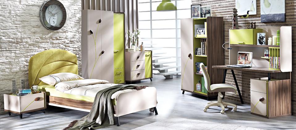 COOL GENÇ ODASI TAKIMI doğada bir yürüyüş kadar keyifli Sektörde ilk kez 7 yıl garantili Yatak, yatak başlığı, komodin, çalışma masa ve sandalyesi, kitaplık, keson ve gardırop gibi farklı modül alternatifleri içeren renkli bir genç odası takımı Atabey ceviz (noce moreno), limon küfü ve cappucino renklerinin uyumla kullanıldığı, taze bir soluk taşıyan tasarım Cappucino kapaklar üzerinde uygulanan limon küfü renginde ki etiketlerle hareketlenen görünüm Yeşil kumaş kaplı, sıcak görünümlü yatak başlığı Konsept sandalye, tavan lambası ve halıdan oluşan aksesuar seçenekleri Çekmece, bölme ve askı bölümleri bulunan üç kapılı gardırop