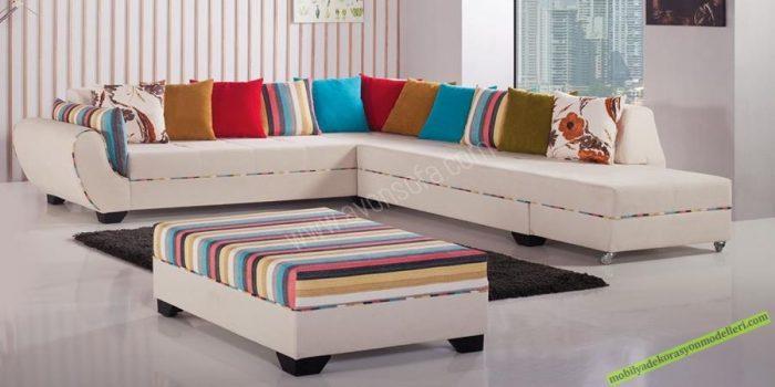 Platin Köşe Takımı 24 Ay Avonsofa garantisindedir. Özel puf ve yastıkları ile evinize renk katmak için üretilmiştir. Basit şekilde çift kişilik yatak olmasından dolayı evinizin en renkli köşesi olacaktır. Ürün Fiyatı: 2.245,00 TL Havale Fiyatı: 2.132,75 TL (%5 havale indirimi)