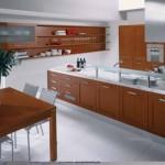 Açık kahve tonlarında laminant model mutfak dolapları