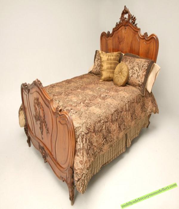 Ahşap antika yatak modeli
