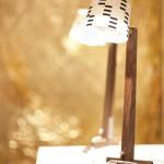 Ahşap kahverengi beyaz başlı masa lambası
