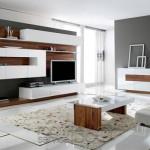 Ahşap laminat cinsi beyaz dolapları ile modern tv ünitesi