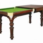 Ahşap yemek masası ile açıldığında yeşil renkli bilardo oyun masası
