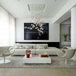 Beyaz renkli modern sarkıt aydınlatıcı ile döşenmiş oturma odası dekorasyonu
