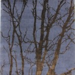 Gece mavisi ağaç gövde desenli modern halı tasarımı