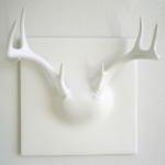 Geyik boynuzlu beyaz renkli duvar askılık