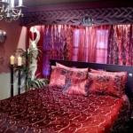 Kırmızı renklerle yatak odası tasarımı