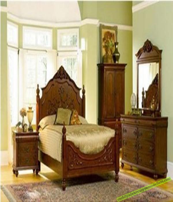 Meşeden yapılmış oymalı ahşap antika yatak odası takımı