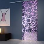 Modern mor renkleri ile dekoratif cam kapı modeli