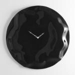 Modern siyah renkli duvar saati
